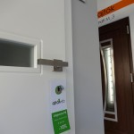 uvegcsikos-belteri-ajto